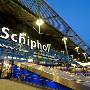 'Waarom 'moet' Schiphol eigenlijk weer groeien naar het maximaal aantal vluchten?' door Tony de Bree