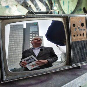 RE: 'Heeft ABN Amro als krimpbank wel toekomst' de Volkskrant door Peter de Waard'' door Tony de Bree