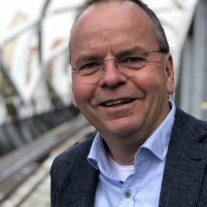 Interview op FM.nl: 'Groeien moet niet. Op weg naar een nieuwe business mindset'.